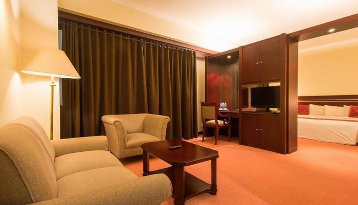 Twin Plaza Hotel Jakarta - Ruang Tamu Kamar Studio Suite
