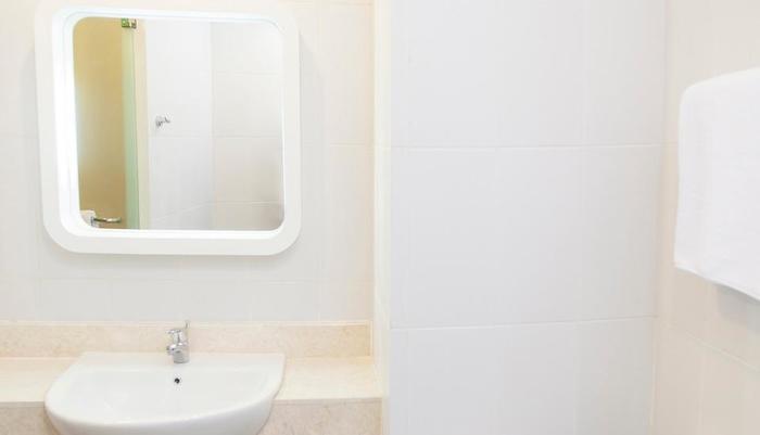 Zest Hotel Batam -   Kamar mandi