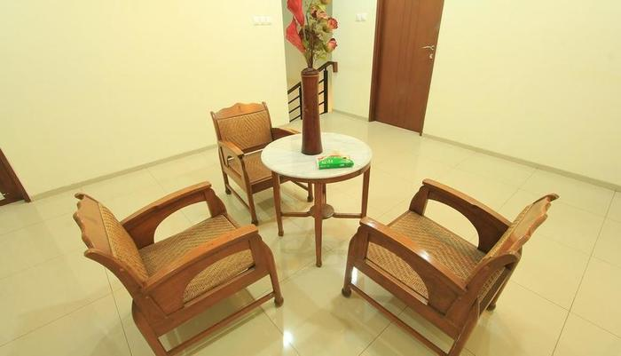 Villa Dago Eby Syariah Bandung - Ruang tamu