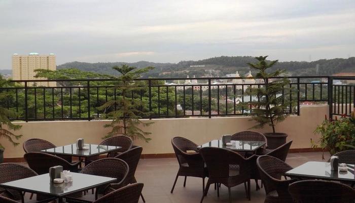 Venesia Hotel  Batam - Restoran Luar