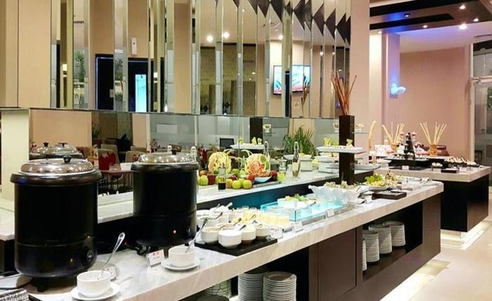 Swiss-Belinn Tunjungan Surabaya - Makanan dan sarapan
