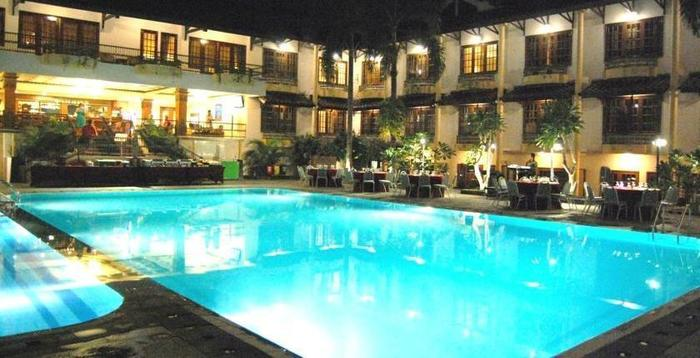 Yogyakarta Plaza Hotel Yogyakarta - Kolam Renang