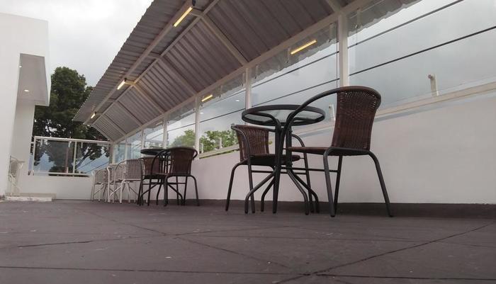 M Suite Homestay Malang - tempat santai