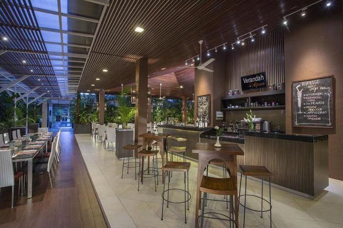 Eastparc Hotel Yogyakarta - Coffee Shop