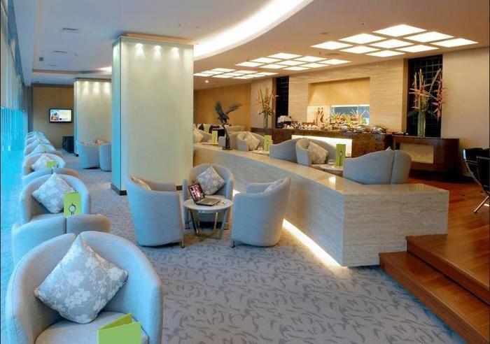 Novotel Mangga Dua Square Jakarta - Lobby Sitting Area