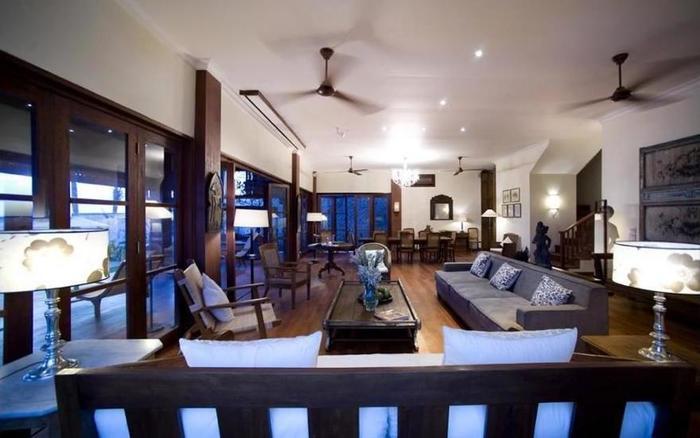 Villa Waringin Bali - Library