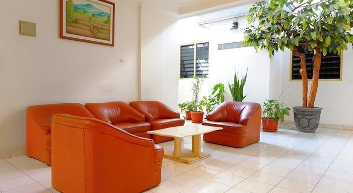 Hotel Elizabeth Semarang - Ruang tamu