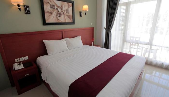 Prima SR Hotel & Convention  Yogyakarta - Deluxe Tempat Tidur King