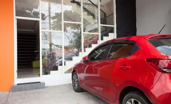 RedDoorz near ITS University Surabaya - Eksterior