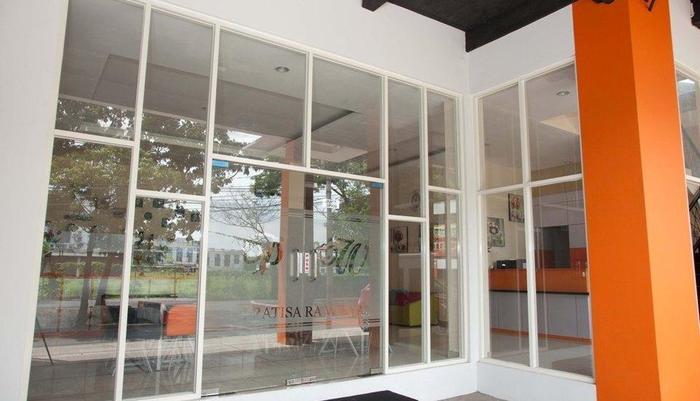 Pratisara Wirya Guesthouse Surabaya - Exterior