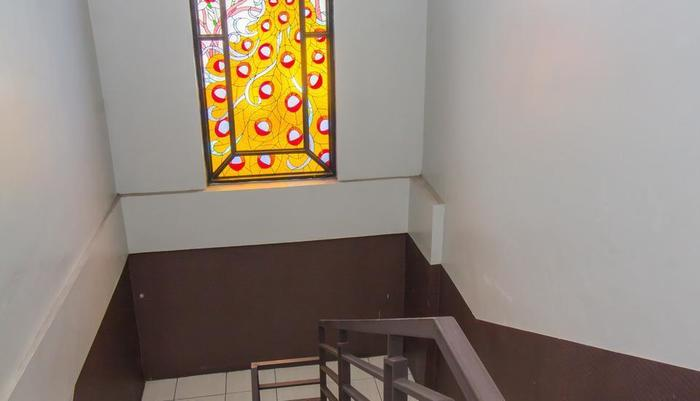 Hotel Absari Jogja - stairs