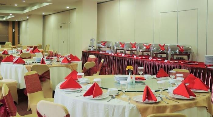 Transera Hotel Pontianak - Ballroom