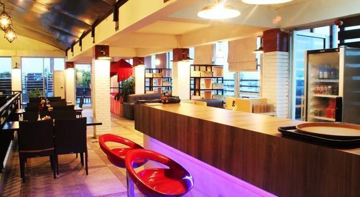 Transera Hotel Pontianak - Bar