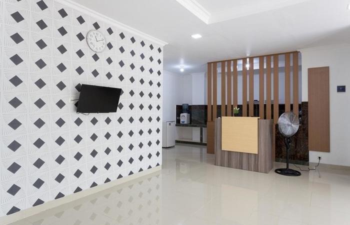 RedDoorz Plus @ Boulevard Residence BSD South Tangerang - Lobby