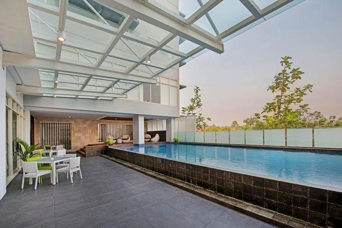 Whiz Hotel Bogor - SWIMMING POOL