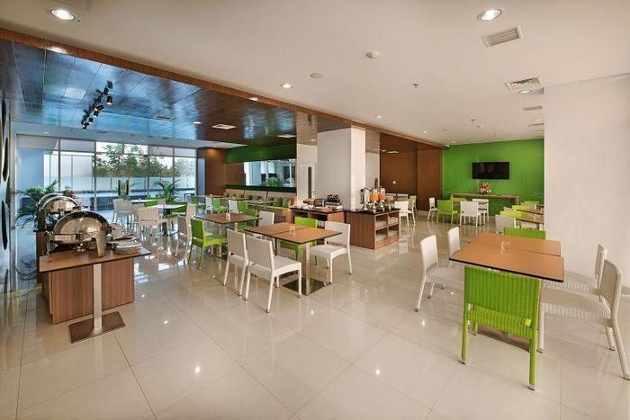 Whiz Hotel Bogor - RESTAURANT