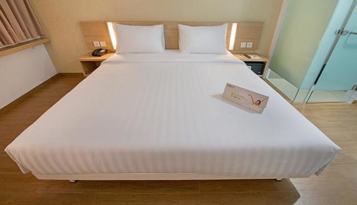 Whiz Hotel Bogor - STANDARD DOUBLE ROOM