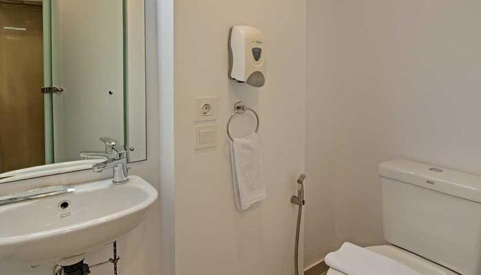 Whiz Hotel Bogor - STANDARD ROOM BATH ROOM