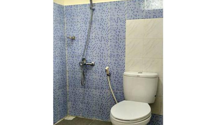 Ndalem Kilen Homestay Malang - Bathroom