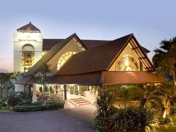 Hotel Santika Cirebon - Bangunan hotel