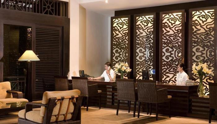 Hotel Santika Cirebon - Reseptionist