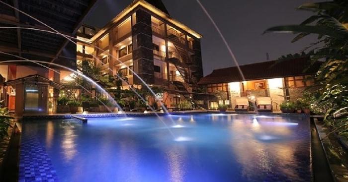 Bali World Hotel Bandung - Swimming Pool, Spa & Sauna