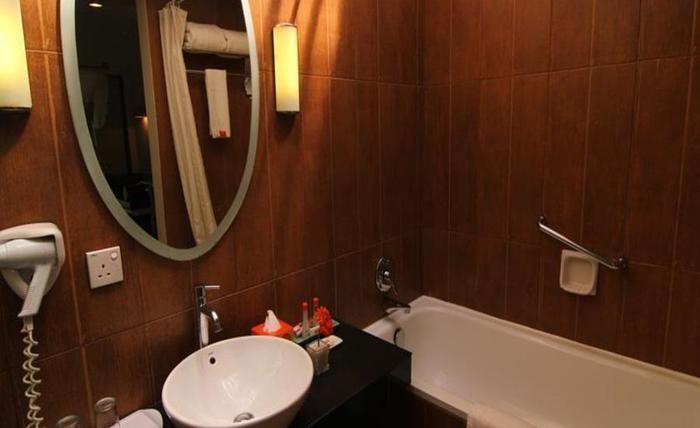 HARRIS Waterfront Batam - Kamar mandi