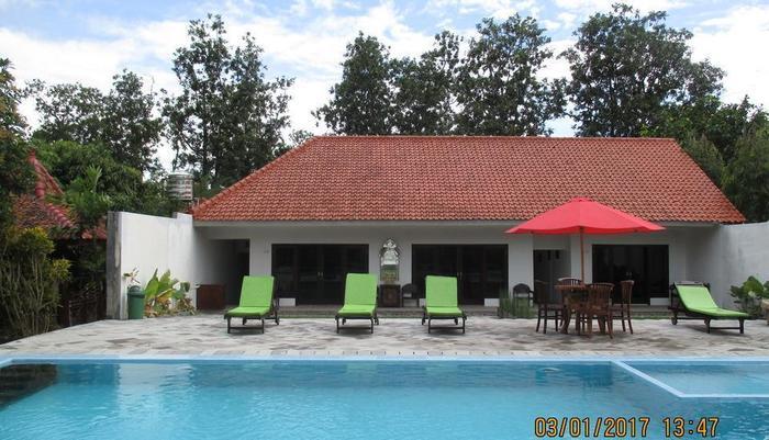 Alam Jogja Resort Yogyakarta - Renang Outdoor alam Jogja