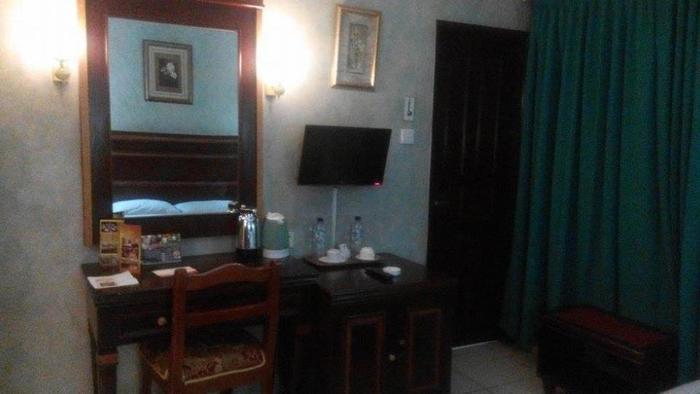Hotel Antares Medan - Kamar Deluxe