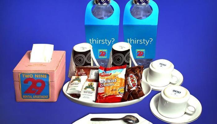 Two Nine Apartment Bekasi - Makanan gratis (Air Mineral, teh, kopi, makanan ringan)