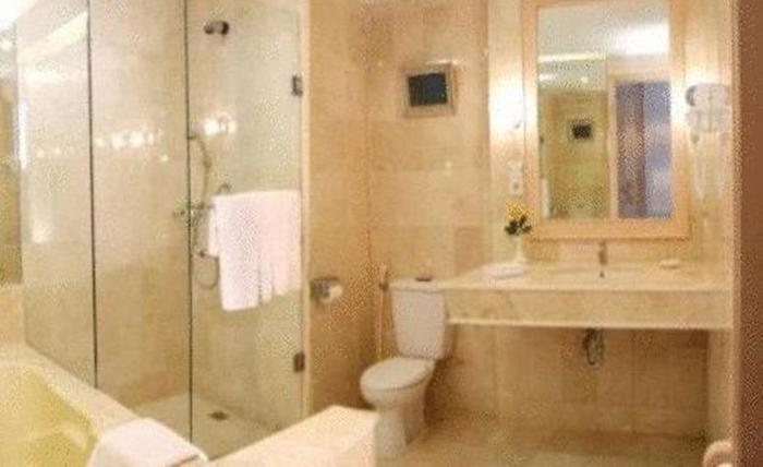 Grand Mutiara Hotel Berastagi Berastagi - Kamar mandi