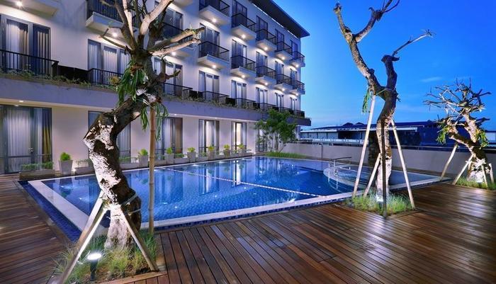 Aston Inn Mataram Lombok - Pool