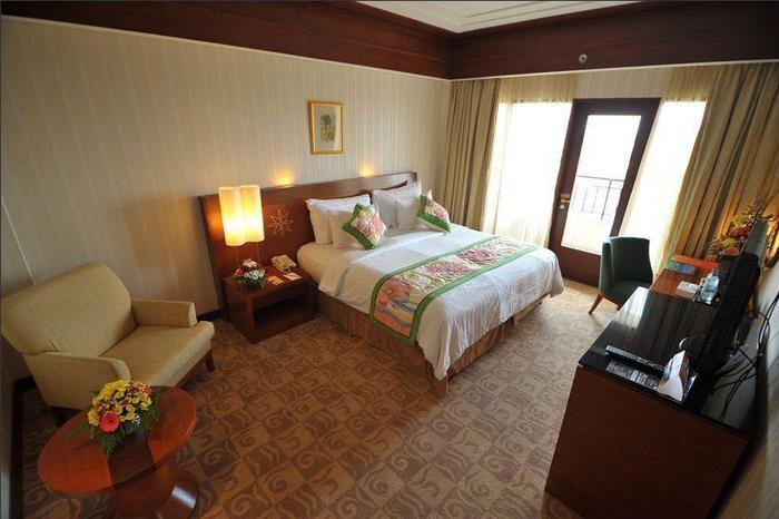 Labersa Grand Hotel Pekanbaru - Kamar tamu