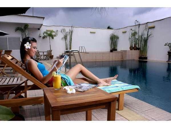 The Daira Hotel  Palembang - Kolam Renang