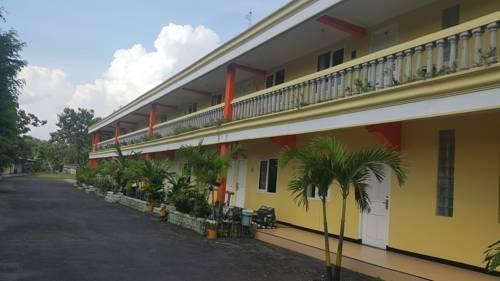 Hotel Sinar Bintang Bojonegoro - Exterior