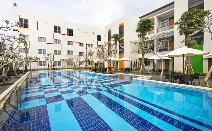 The Victoria Hotel Yogyakarta - Kolam Renang