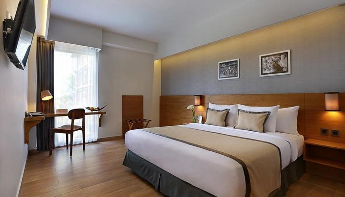 Golden Tulip Denpasar - Superior Room King Size Bed