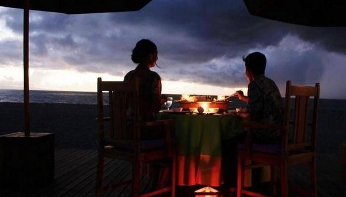 Lombok Beach Villa Senggigi - Romantic Dinner