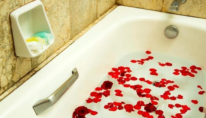 Garden Permata Hotel Bandung - Flowering Bathtub