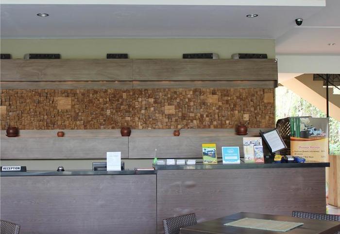 NIDA Rooms Dewaruci Banjarsari - Resepsionis