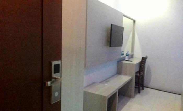 Hotel Kharisma 1 Madiun Madiun - Kamar tamu
