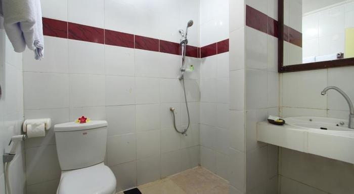 Jimbaran Lestari Hotel   - Kamar mandi