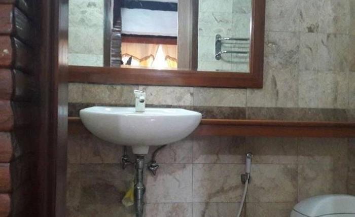 Villa Rumah Kayu Cottage Syariah Bandung - Kamar mandi