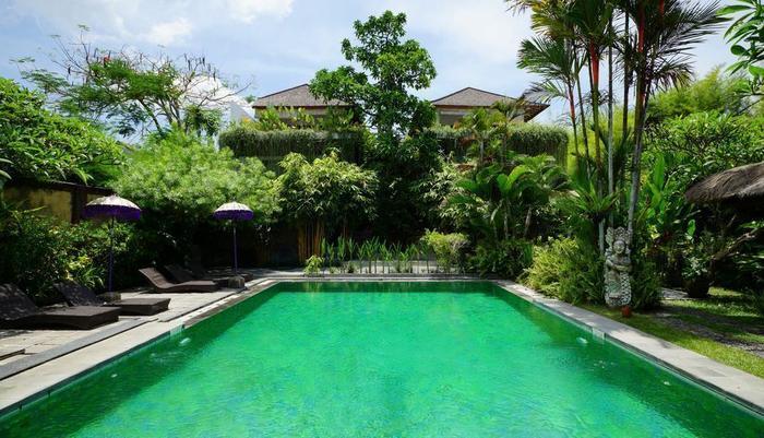 RedDoorz @ Klecung Umalas Bali - Kolam Renang