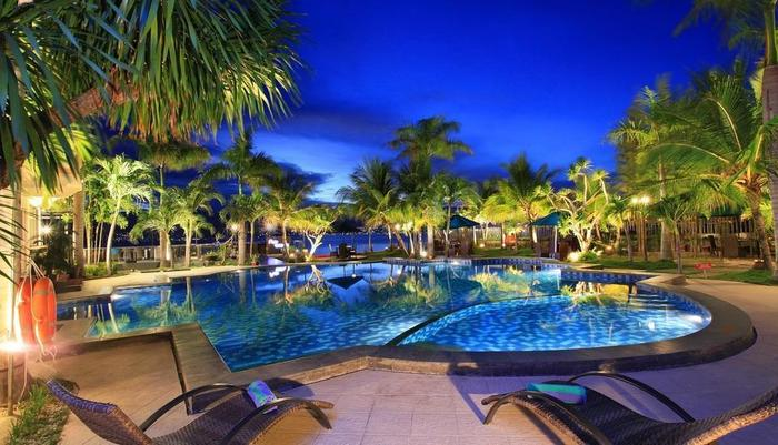 Swiss-Belhotel Silae Palu - SWIMMING POOL