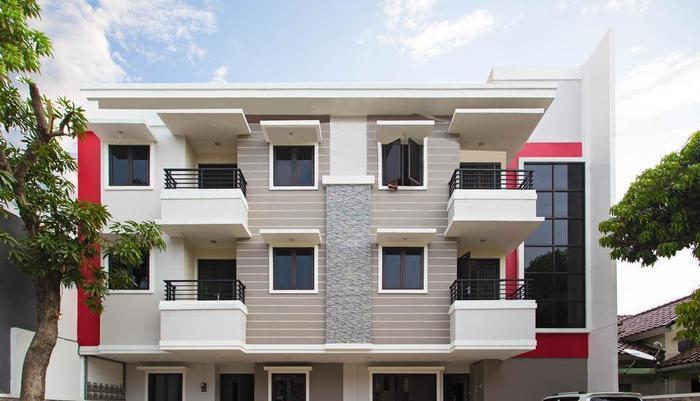 RedDoorz near Cengkareng Airport Jakarta - Tampilan Luar Hotel