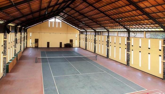 Villa Anyelir Bandung - Tenis
