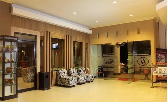 Grand Duta Hotel Palu - Lobi