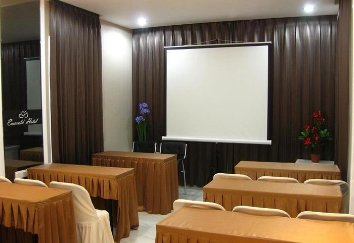 Hotel Emerald Surabaya - Meeting Room