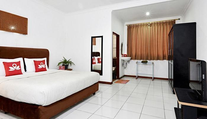 ZenRooms Villa Duta - Tempat Tidur Double